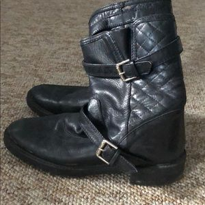 Zara quilted bootie black leather size 8